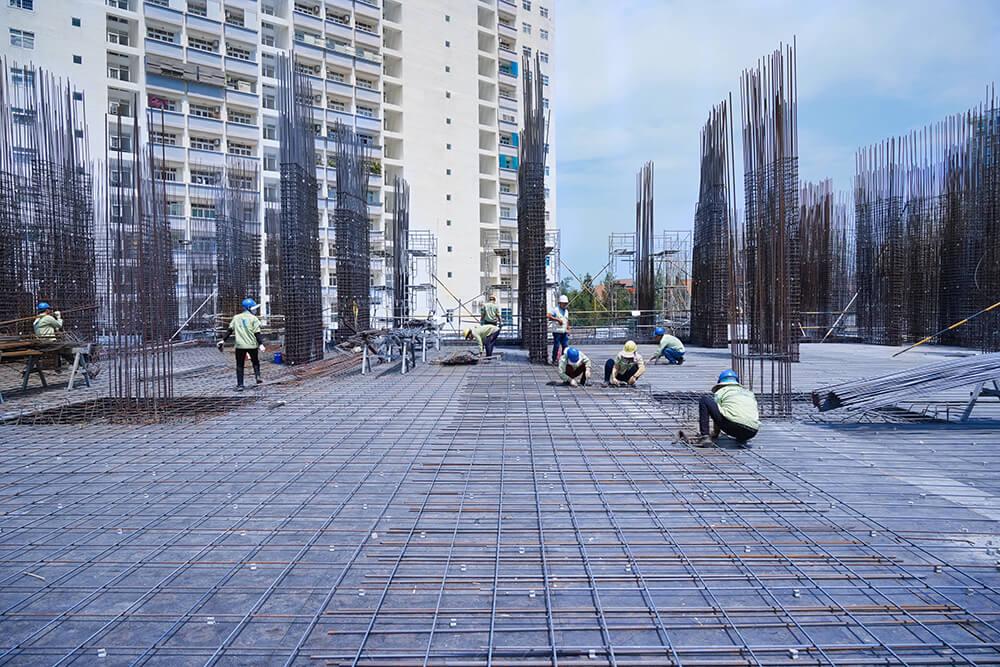 Đang thi công cốt thép sàn tầng 2 Block Sapphire và Block Topaz
